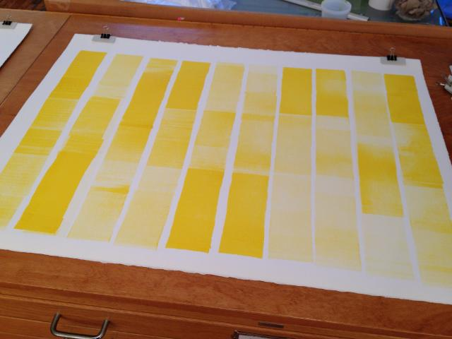 yellow intaglio rolling drawing