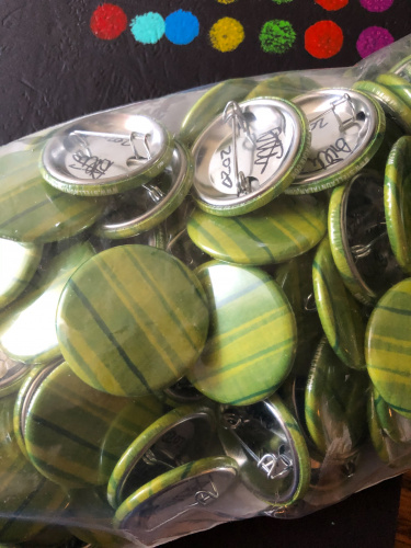 The second button in my collector series of buttons. Sea Grass by Stella Untalan support me at Patreon